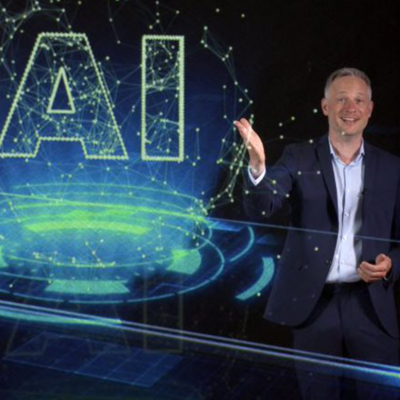 Simon Pierro - Hologramm-Speaker
